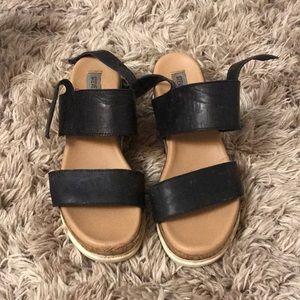 steve madden platform sandals size 7